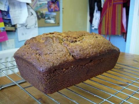 Le banana bread se repose